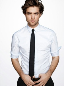 robert-pattinson-gq-best-dressed-white-shirt-black-tie-sexy-messy-hair-2010-2011